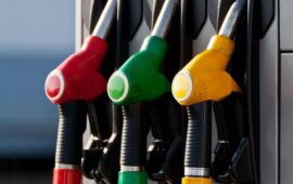 Türkiyədə benzinin qiyməti artırılıb